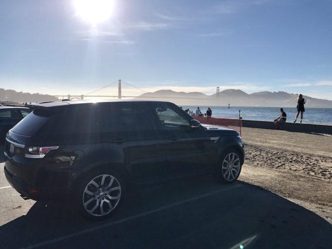 Moose II, un Range Rover Sport 2015 con vista al puente Golden Gate, San Francisco