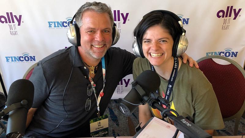 J.D. Roth y Gwen Merz, podcasting