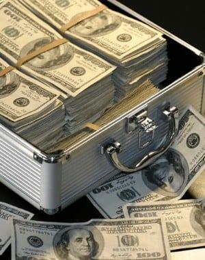 ¡Cómo este SAHM hace que el banco atraviese empleos secundarios y ahorre dinero!