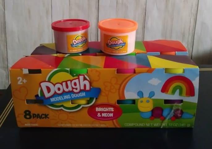 Este es el paquete de $ 1 de contenedores doguh que desea usar, para maximizar sus formas frugales.