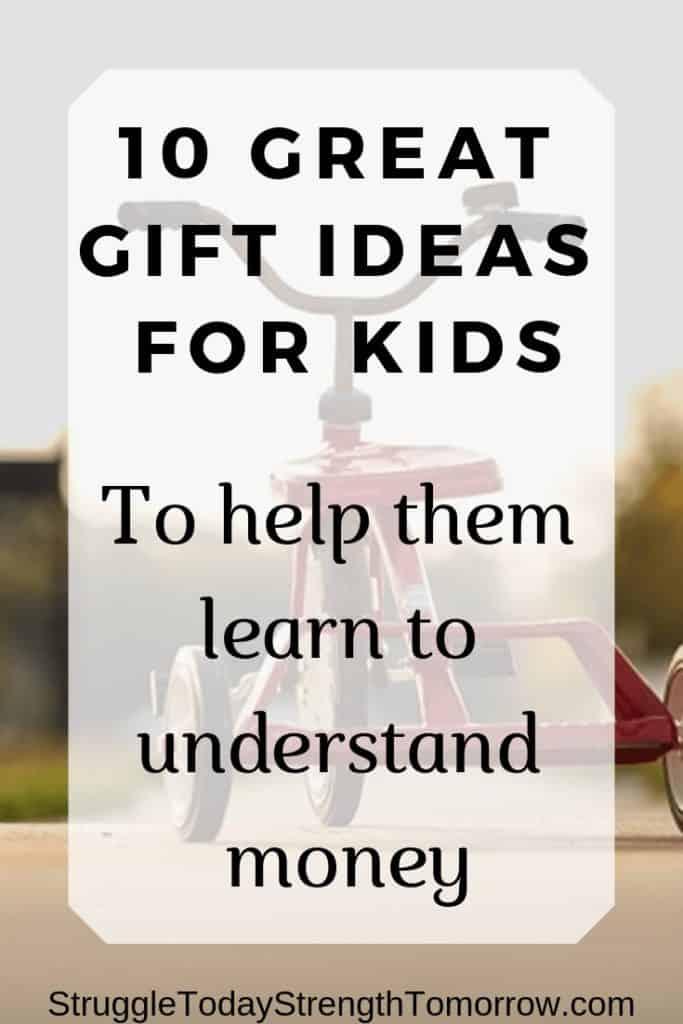 """enseñar a los niños sobre el dinero y ayudarlos a comprenderlo es importante para criar adultos financieramente responsables. Vea estos 10 juguetes de Amazon que son el regalo educativo perfecto. ¡que el aprendizaje sea divertido! """"ancho ="""" 170 """"altura ="""" 427"""