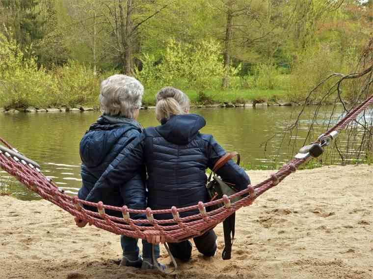 Pague consultar con otros como una madre que se queda en casa
