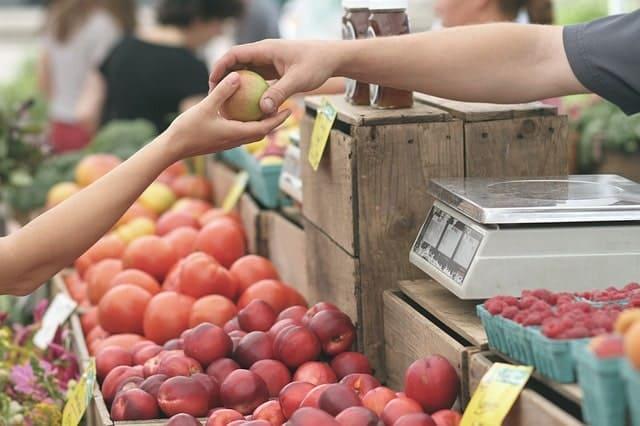 dinero gratis en los mercados de agricultores