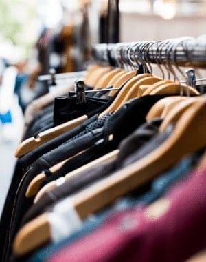 Cómo comprar ropa barata para niños usados en línea a precios de ganga
