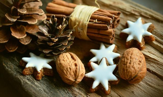 4 formas de ahorrar dinero en decoraciones navideñas