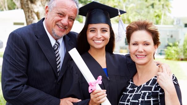 Cómo cosignar un préstamo estudiantil podría afectar sus finanzas