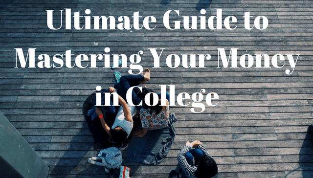 Estudiantes universitarios tendidos en un buen día, probablemente no piensen en problemas de dinero