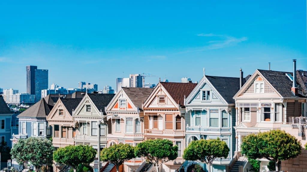 Cómo crear ingresos pasivos con bienes raíces