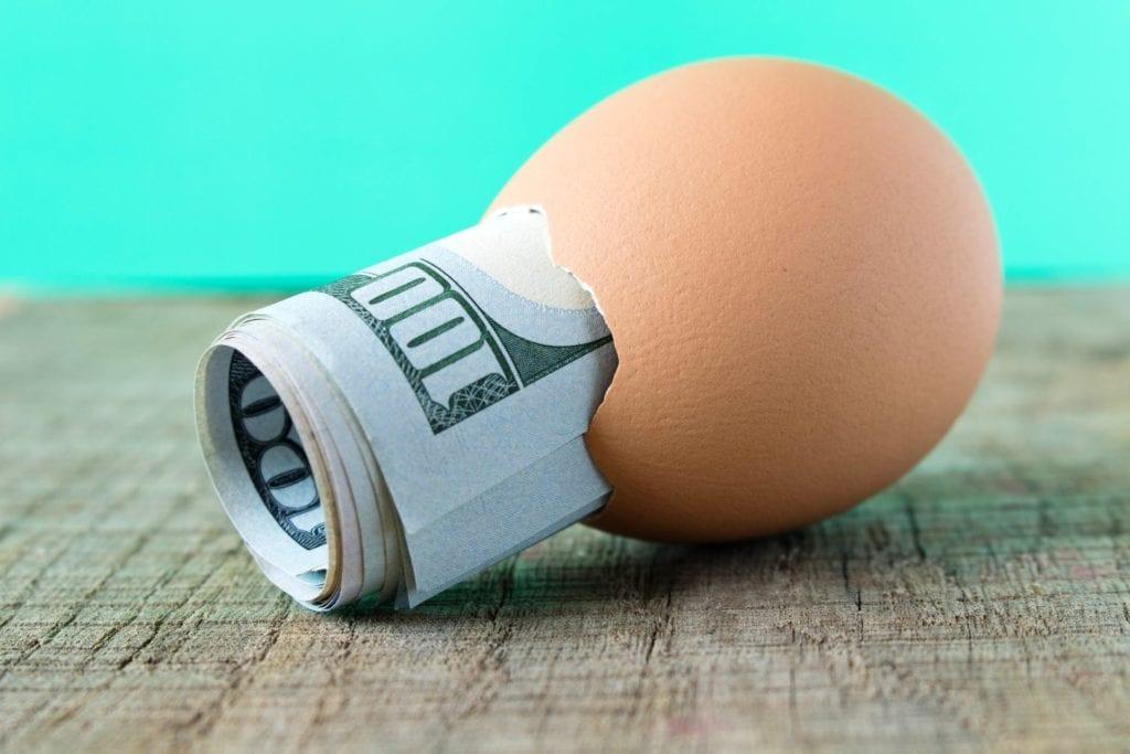 ¿Es mejor un plan de ahorro para la jubilación regular o Roth?