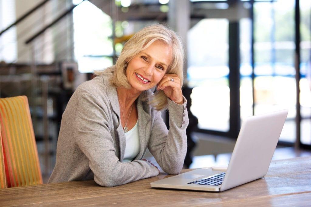 20 excelentes empleos a tiempo parcial para jubilados
