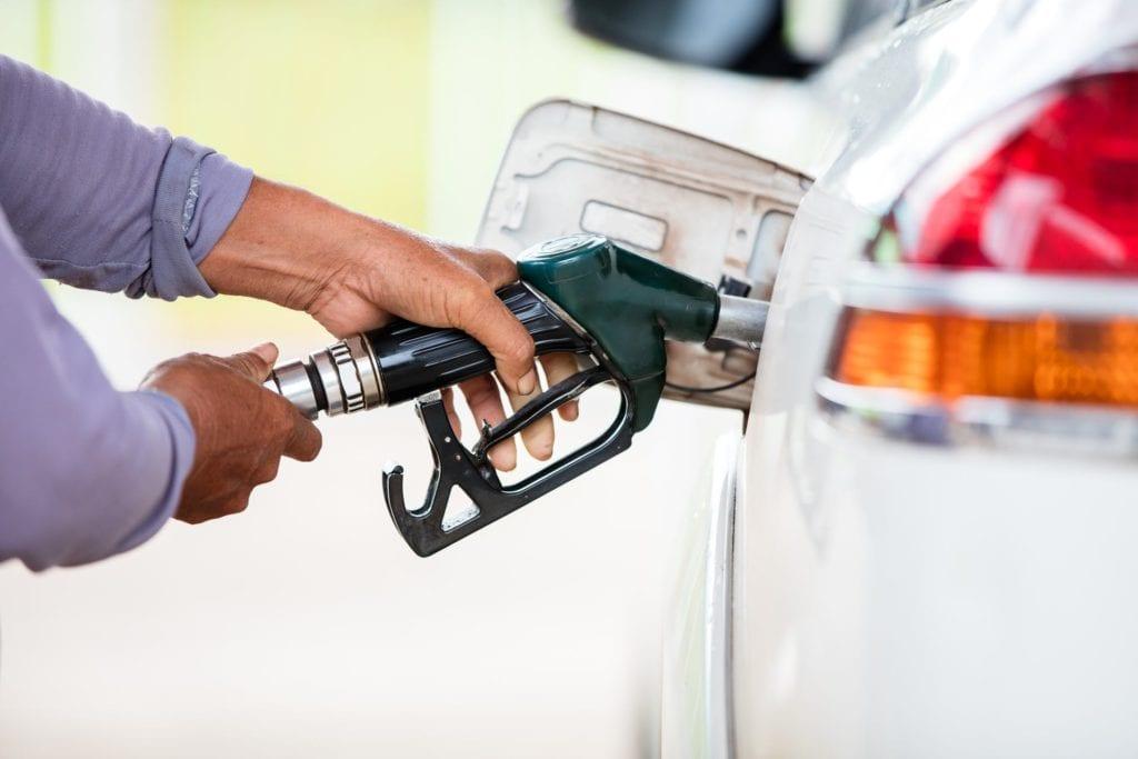 8 estados donde el gas costará al menos $ 3 por galón este verano