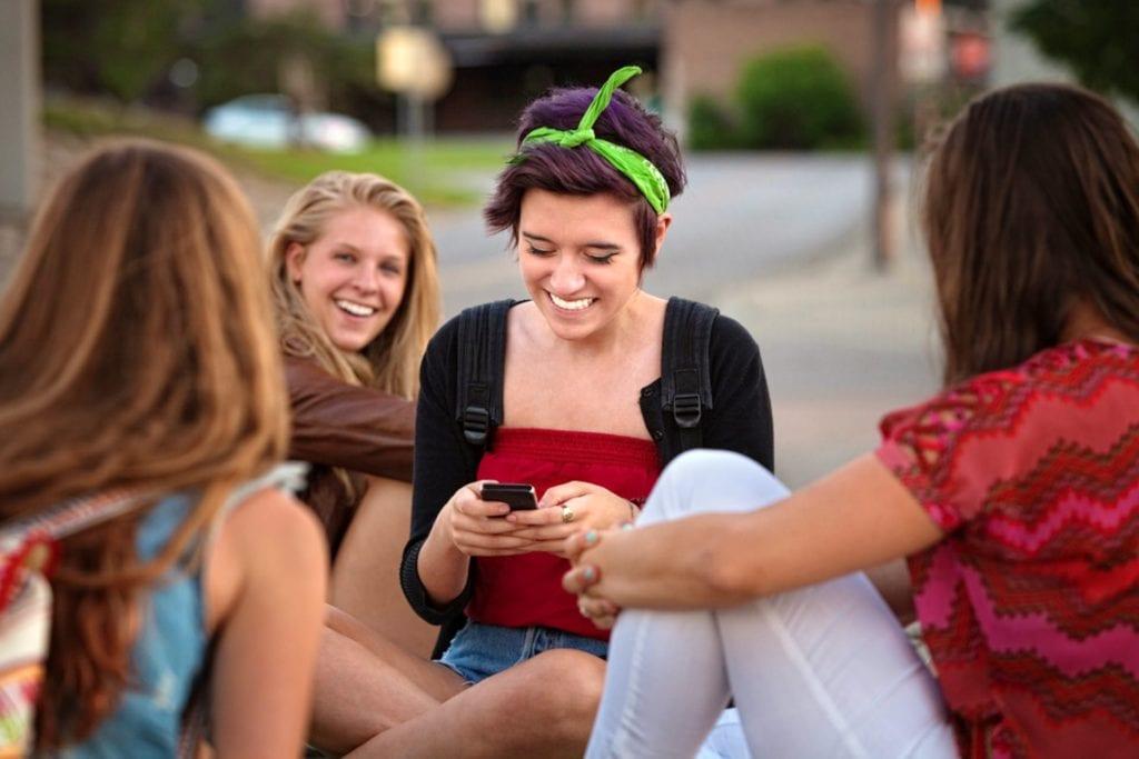 El mejor plan de teléfono celular para estudiantes universitarios
