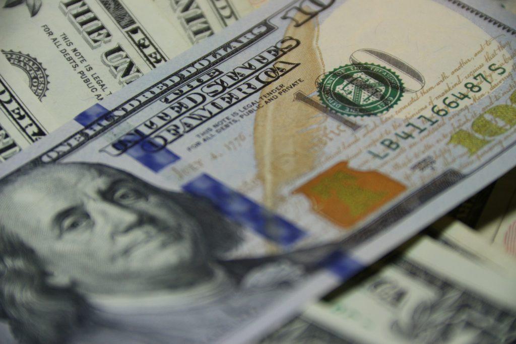 Más de 17 encuestas que pagan en efectivo al instante