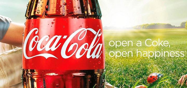 Anuncio de Coca Cola con sol y felicidad
