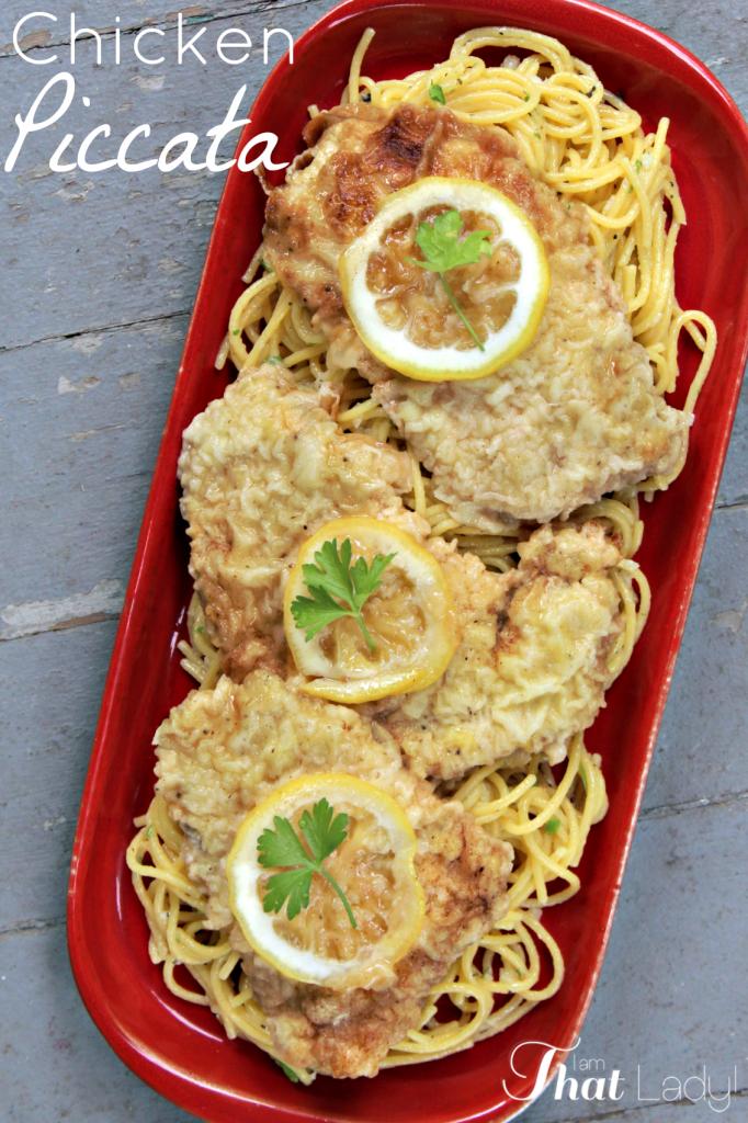 ¿Alguna vez has probado la bondad de mantequilla y limón que es Chicken Piccata? ¡Necesitas revisar esta FÁCIL receta para hacerla tú mismo!