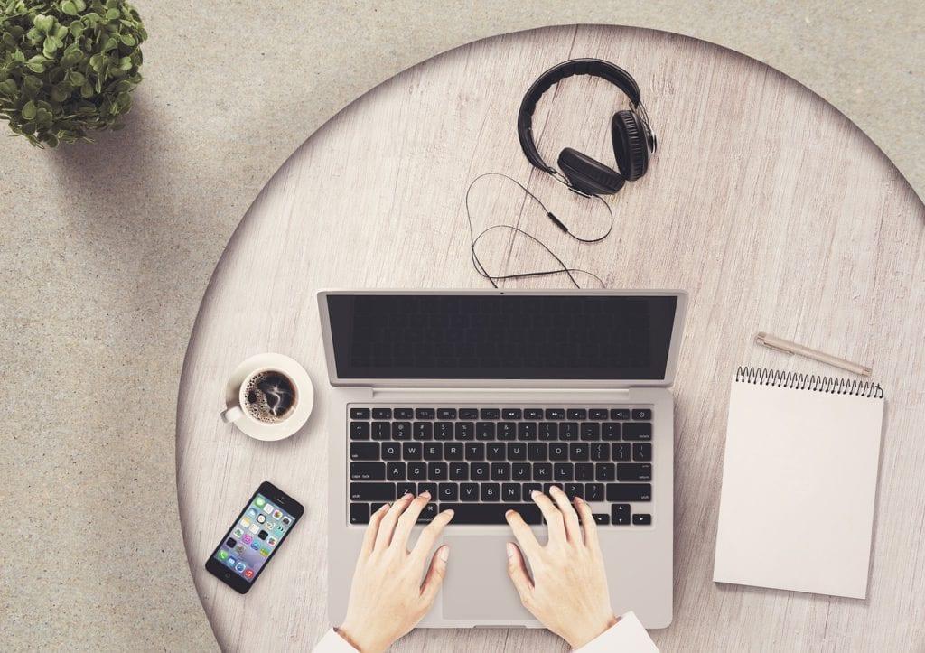 10 maneras de trabajar desde casa para ganar dinero extra en línea
