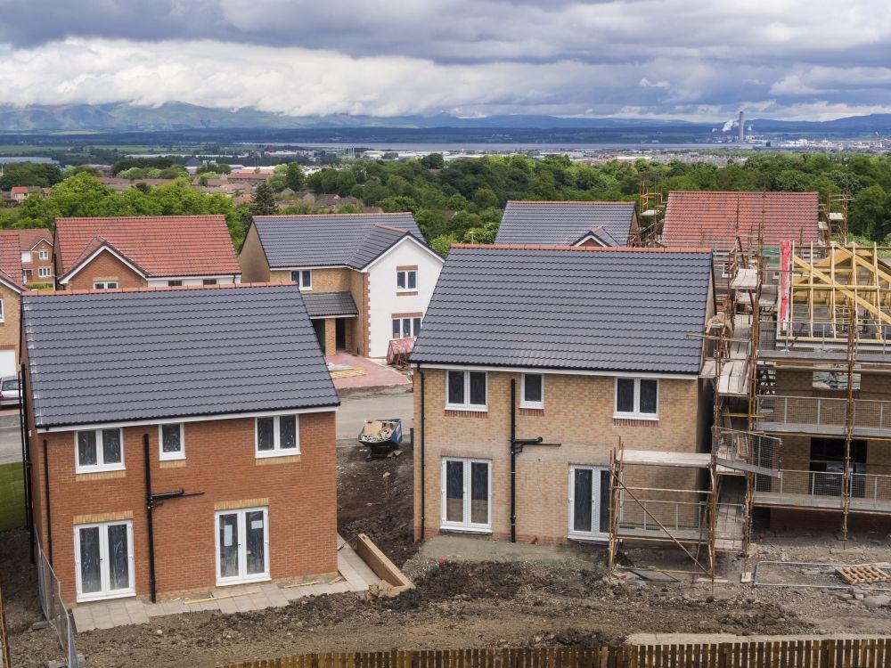 A los arrendatarios se les cobran miles en honorarios: investigamos su situación y qué se puede hacer