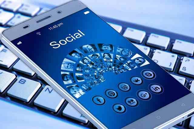 Conviértete en un administrador de redes sociales y gana