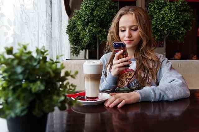 Juegue juegos en línea con su teléfono inteligente y reciba pagos