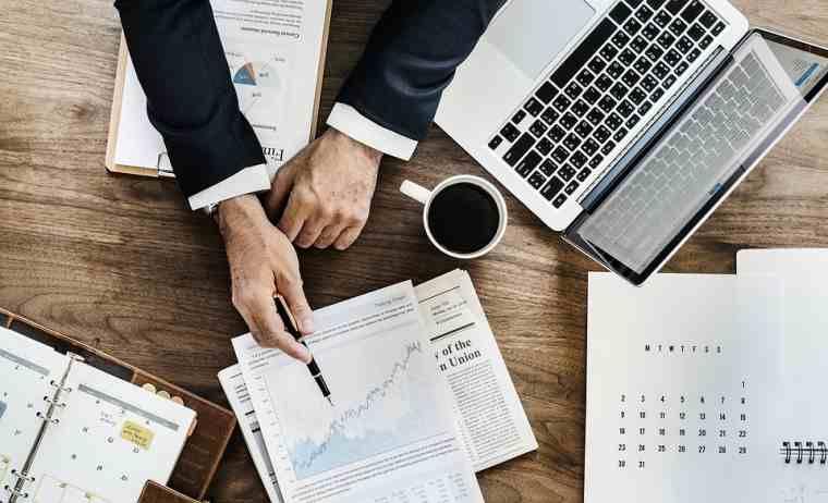 Complete encuestas en línea para ganar dinero