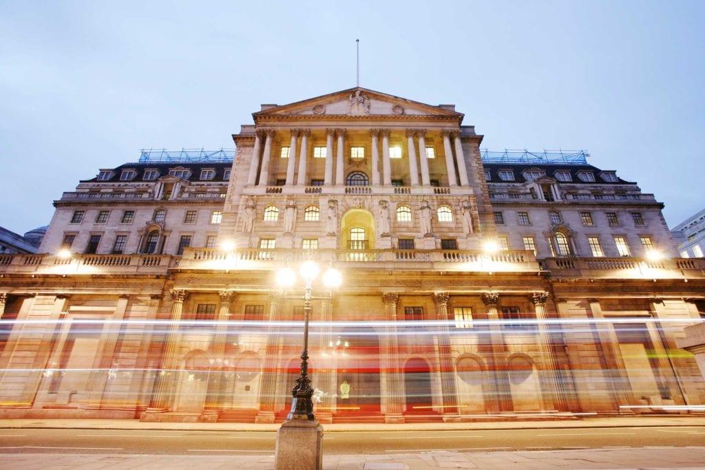 El Banco de Inglaterra reduce el interés al 0.1% debido a la pandemia de coronavirus