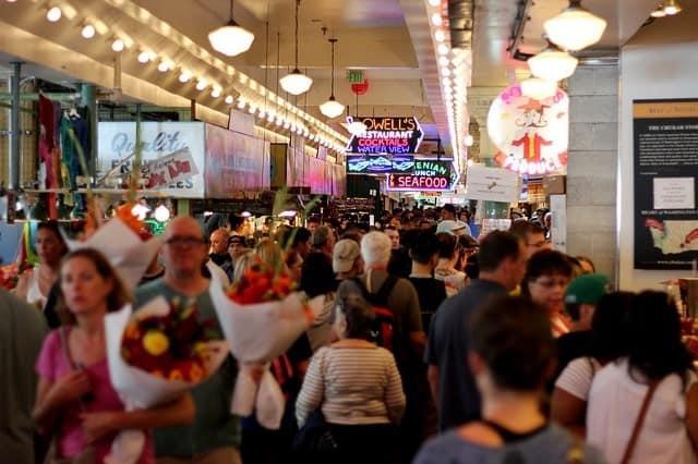 Centros comerciales abarrotados en Black Friday-min