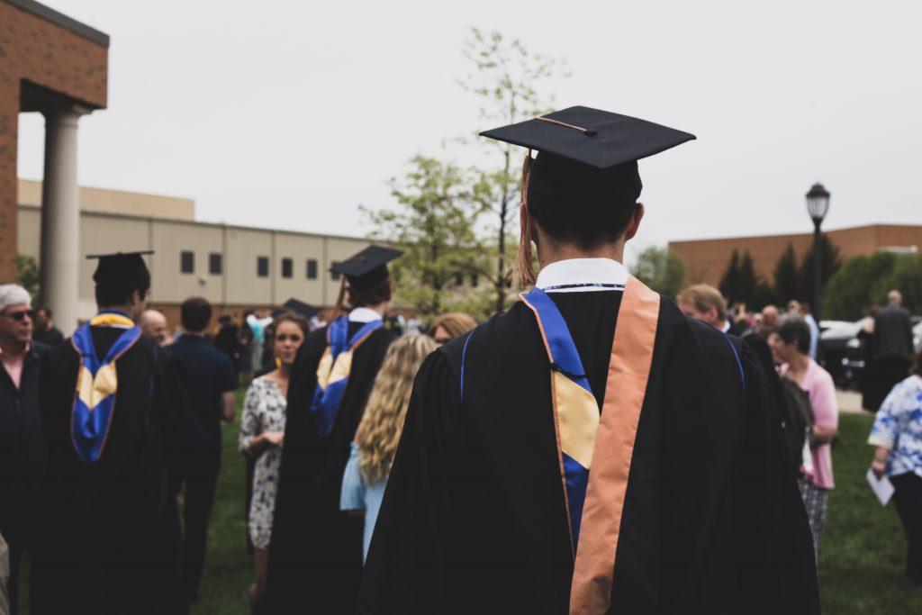 Más de 27 formas creativas de pagar los préstamos estudiantiles