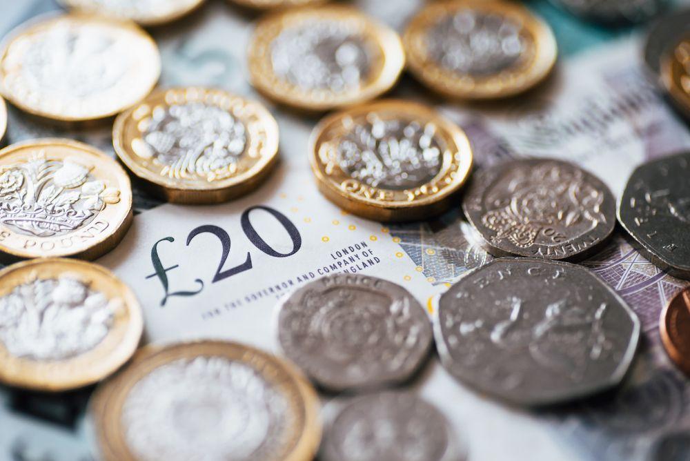 Presupuesto 2020: 100 recortes de impuestos para 31 millones de trabajadores, ya que el canciller reduce el seguro nacional y aumenta el salario nacional