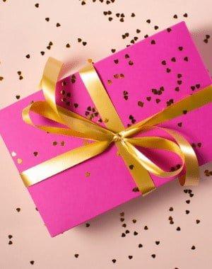 10 grandes ideas de regalos que AHORRAN el dinero del destinatario