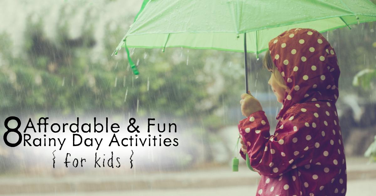 Aburrido y atrapado en la casa? ¡Aquí hay 8 actividades económicas y divertidas para los niños de día lluvioso que cambiarán su día!
