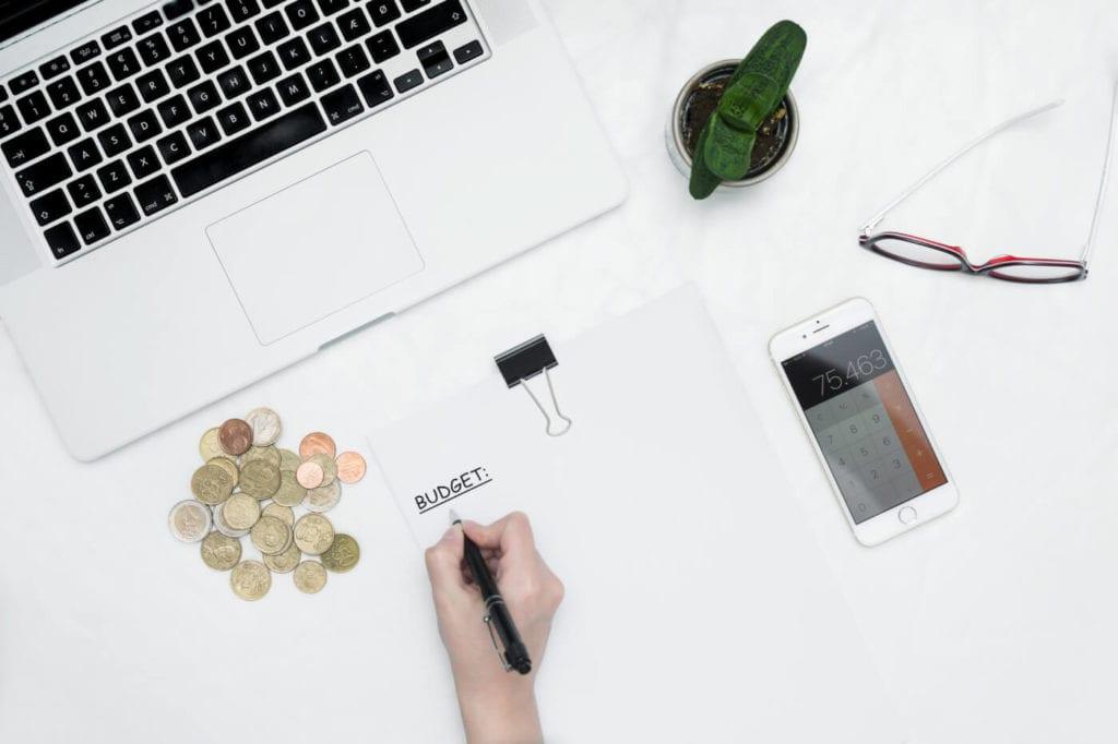 Cómo ajustar su presupuesto cuando está desempleado
