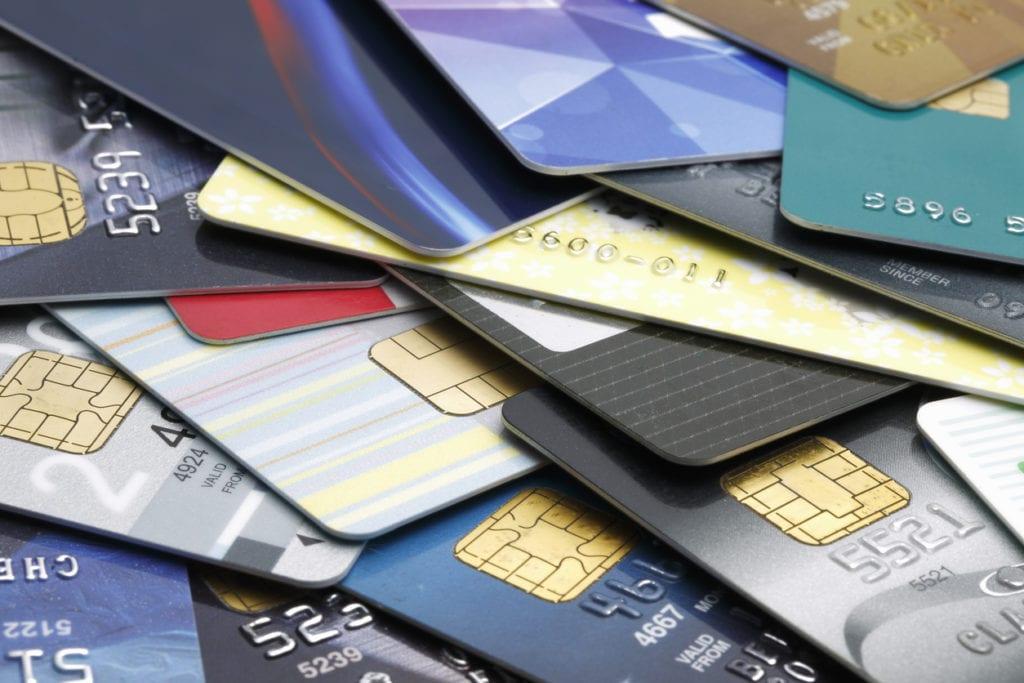 Coronavirus: los bancos relajan el pago de tarjetas de crédito y sobregiros