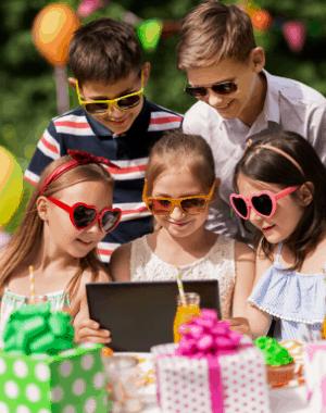 Ideas virtuales de fiesta de cumpleaños para una celebración de larga distancia en línea