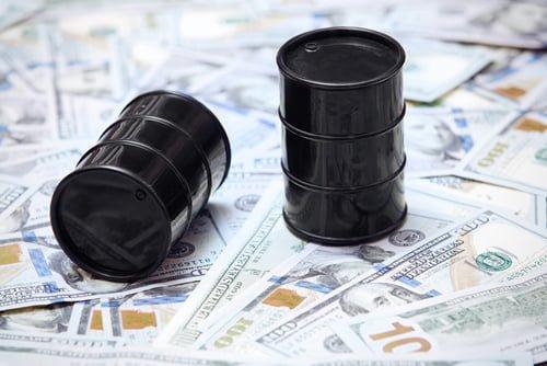 Los precios del petróleo en Estados Unidos caen a mínimos históricos, pero ¿significará gasolina más barata?