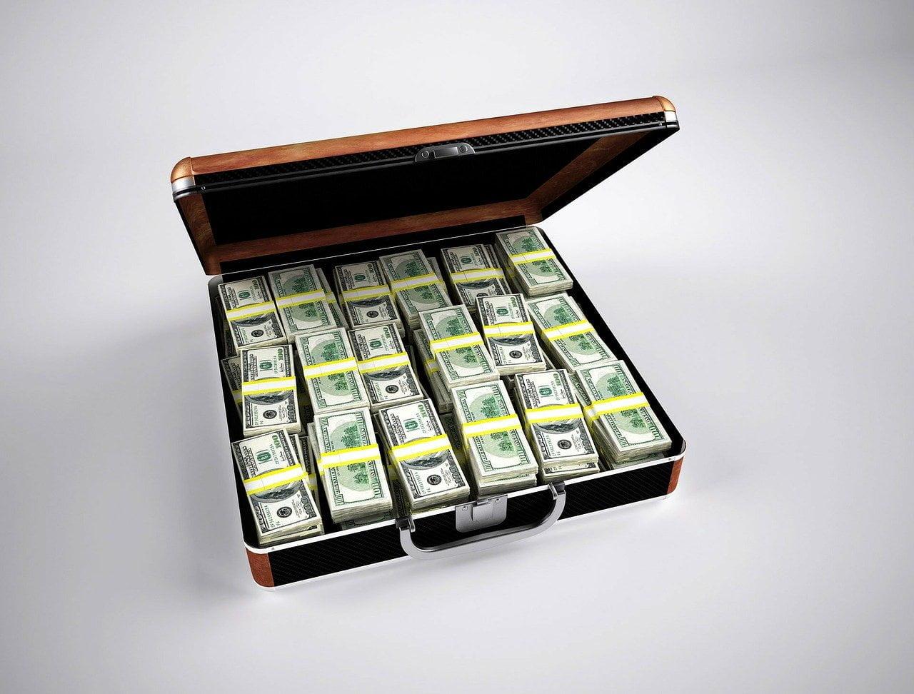 ¿Necesito un abogado de bienes raíces para comprar o vender propiedades? Depende