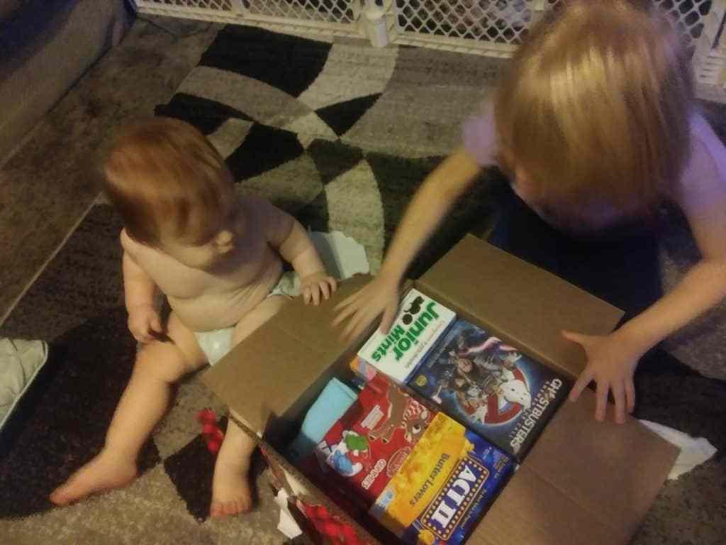 lucha hoy fortaleza mañana historia de navidad abriendo la caja de la víspera de navidad tradición familiar