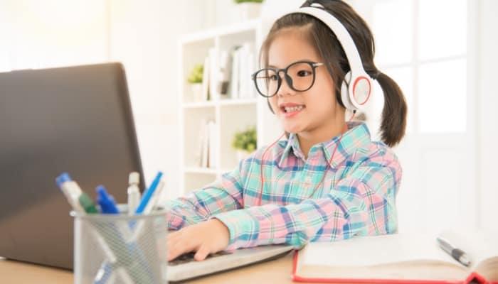"""aprenda cómo encontrar trabajos de enseñanza de inglés en línea """"class ="""" wp-image-5999 """"srcset ="""" https://ganardineroporinternet.me/wp-content/uploads/2020/05/1589308503_259_11-lugares-para-ensenar-ingles-en-linea-sin-un-titulo.jpg 700w, https: //carapalmer.com/wp-content/uploads/2020/04/teach-english-online-300x171.jpg 300w """"tamaños ="""" (ancho máximo: 700px) 100vw, 700px"""