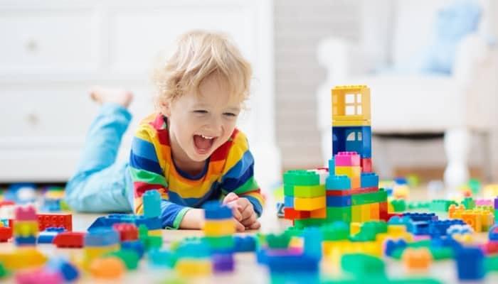 """compre y venda juguetes para ganar dinero """"class ="""" wp-image-5985 """"srcset ="""" https://ganardineroporinternet.me/wp-content/uploads/2020/05/1589373604_175_Las-mejores-cosas-para-comprar-y-vender-con-fines-de.jpg 700w, https: / /carapalmer.com/wp-content/uploads/2020/04/toys-to-sell-300x171.jpg 300w """"tamaños ="""" (ancho máximo: 700px) 100vw, 700px"""