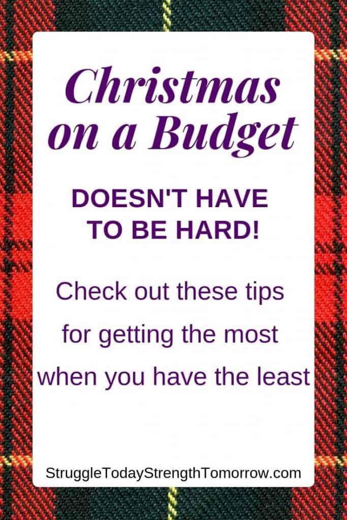 ¡Navidad en un presupuesto no tiene que ser difícil! Consulte estos consejos para obtener el máximo rendimiento cuando tenga menos. Tener una pequeña cantidad de efectivo es más que suficiente para planificar una Navidad exitosa. Haga clic para ver estos consejos y aprovechar al máximo su presupuesto sin sacrificar nada de la magia navideña. #Navidad #frugal #presents #christmasbudget #budget #frugalfamily