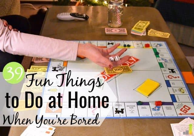 ¿Estás buscando cosas divertidas para hacer en casa cuando estás atrapado dentro? Aquí hay 39 cosas entretenidas que hacer hoy para llenar su tiempo sin gastar demasiado.