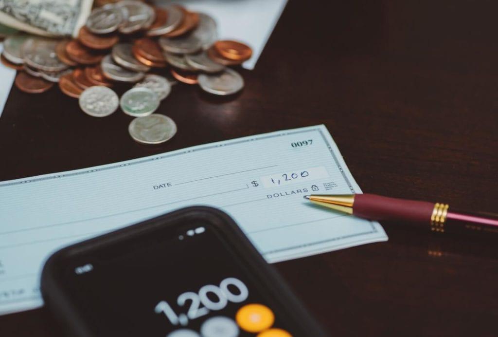 Cómo depositar cheques sin ir al banco