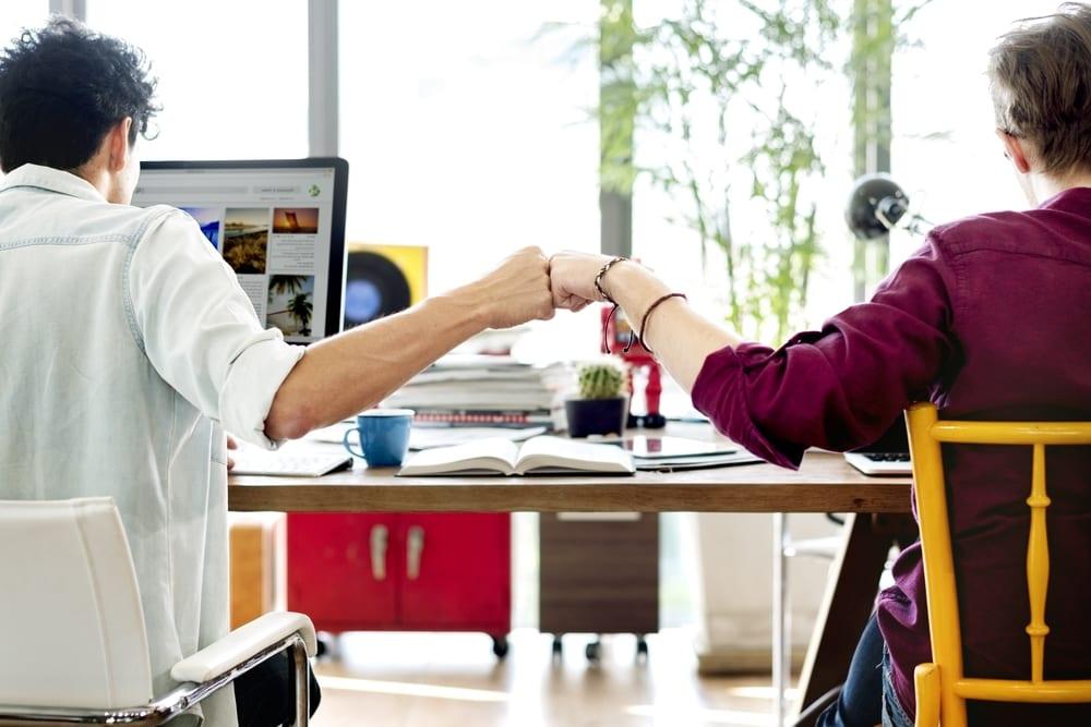 4 beneficios de usar un asesor financiero que ofrece soporte continuo