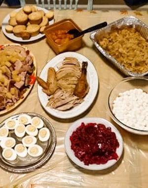 Cómo organizar el Día de Acción de Gracias en un presupuesto